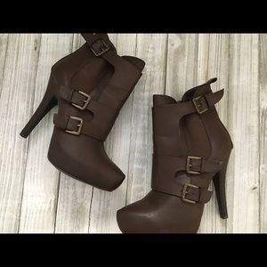 Guess brown heel boots size 7m